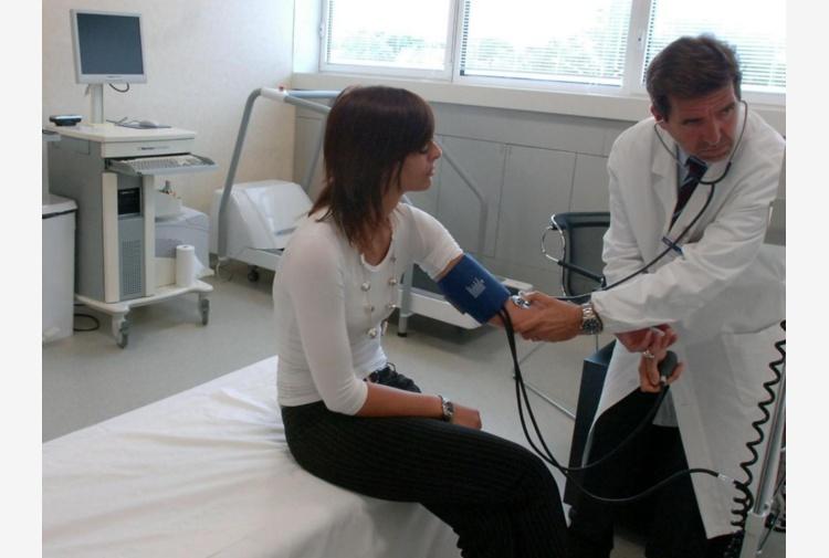 Assistenza sanitaria agli stranieri abici assistenza for Assistenza sanitaria extracomunitari senza permesso di soggiorno